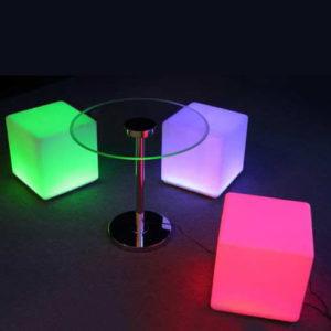 Cube lumineux 40 x 40 cm sur batterie