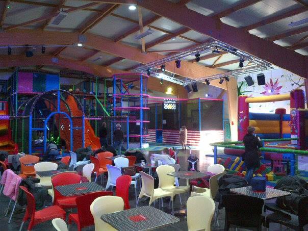 Parc d'attraction indoor Weeky park