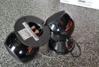 Enceintes noires 8 ohms 50 watts pour maison ou magasin