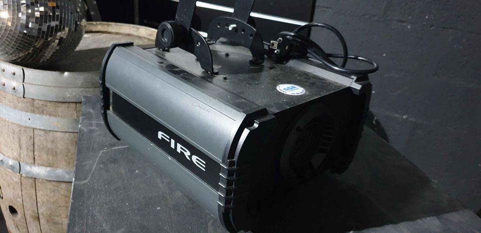 Projecteur contest simulant un effet flamme (sans lampe)